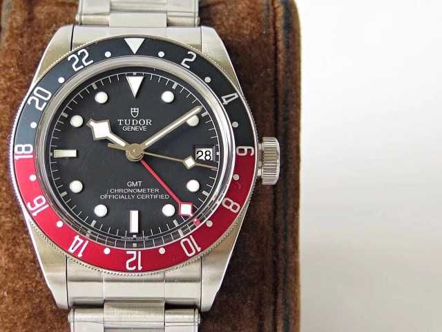 Z Factory Replica Tudor Black Bay GMT Blue/Red Bezel Fine Replica Watches With ETA 2836 Movement